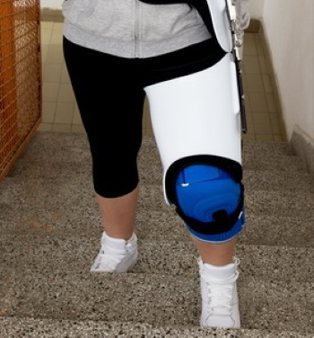 knee injury caused by a car accident